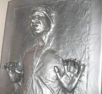 Han_solo_carbonite_3